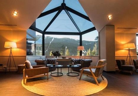 lobby-hotel-montagne-amenagement
